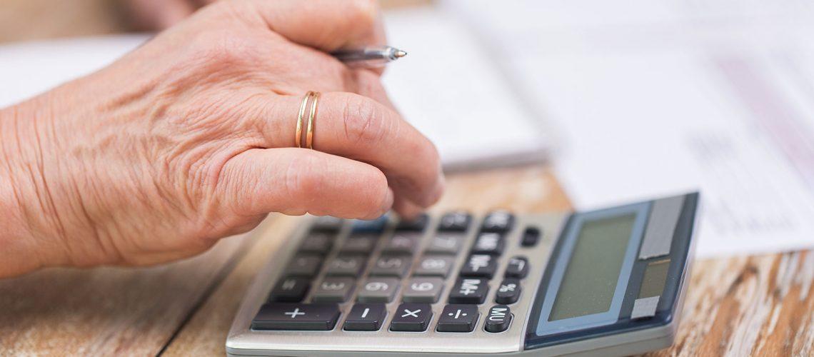 Comissão aprova aumento no limite de isenção de Imposto de Renda a idosos