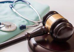 Servidores da saúde podem acumular cargos desde que os horários sejam compatíveis