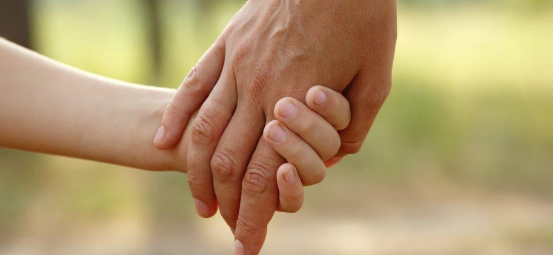 Juiz concede redução de jornada de trabalho a servidora para cuidar de filha com deficiência
