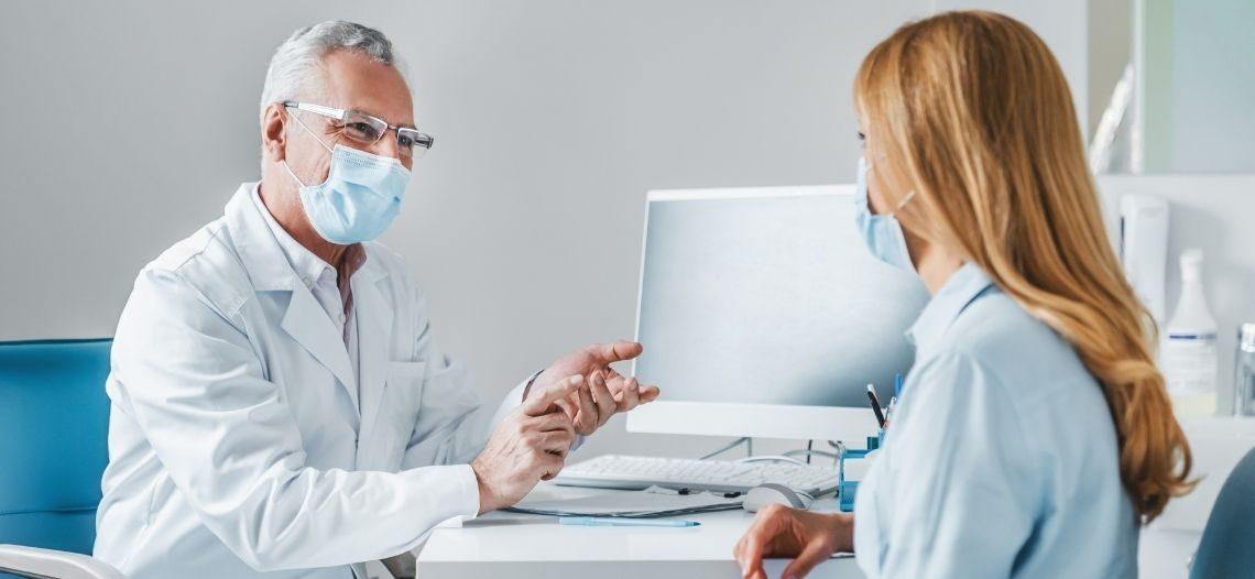 Atuando na linha de frente do combate à Covid-19, médicos dignificam a profissão