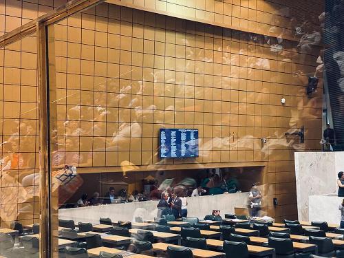 Público lotou o Plenário JK para acompanhar a votação do Projeto.